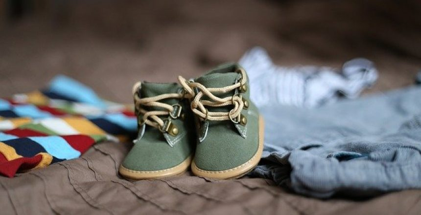 baby-shoes-505471_640